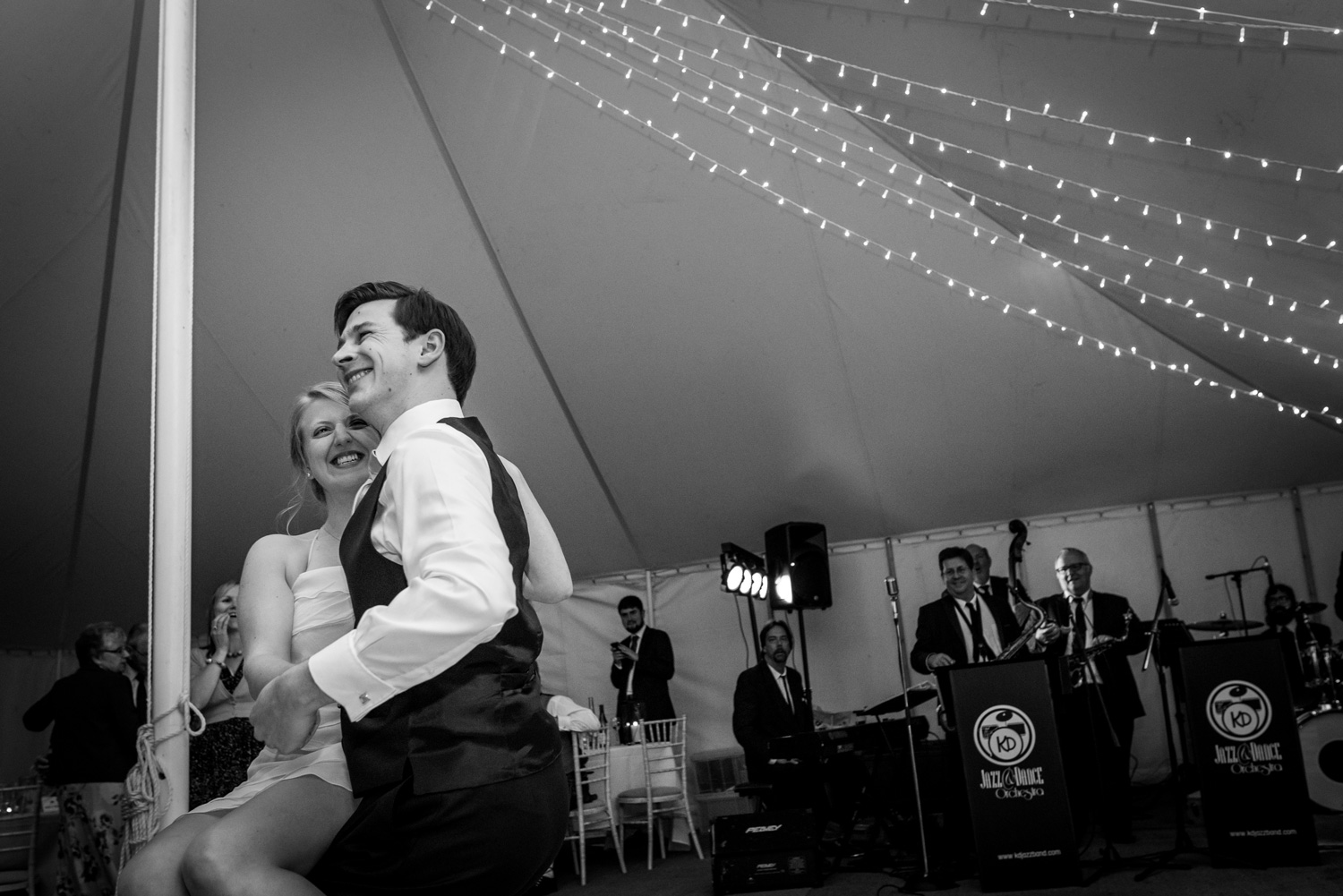 kent wedding photographer first dance